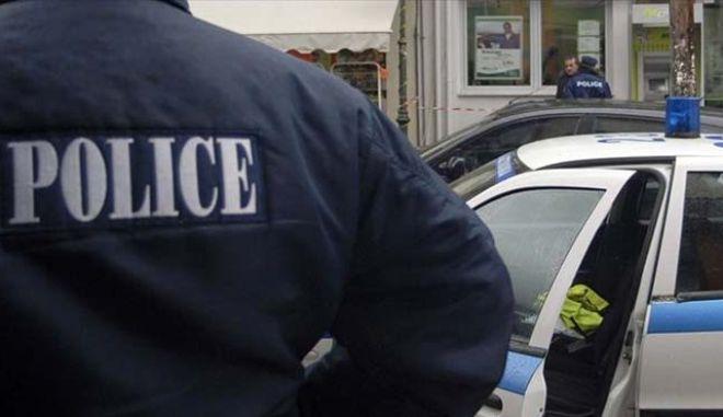 Περιστέρι: Εντοπίσθηκε αποθήκη με πάνω από 22.000 ρούχα - 'μαϊμού'