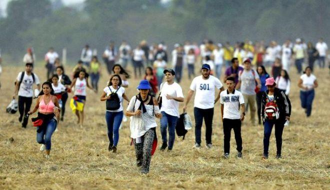 Φωτογραφία από τις σημερινές συναυλίες στην Βενεζουέλα (σύνορα με Κολομβία)