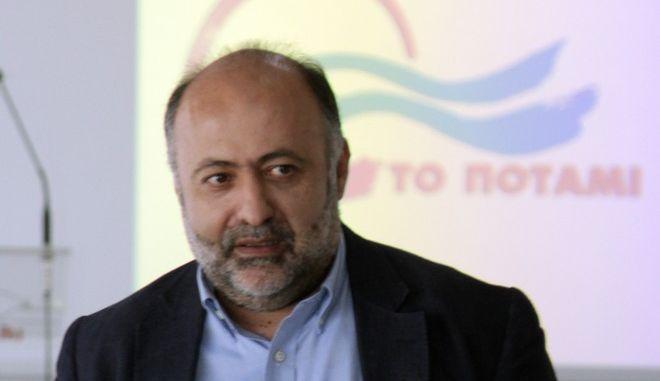 Ο εκπρόσωπος Τύπου του Ποταμιού, Δημήτρης Τσιόδρας