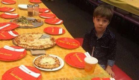Παγκόσμια στήριξη σε 6χρονο αγόρι - Δεν εμφανίστηκε κανείς στο πάρτι γενεθλίων του