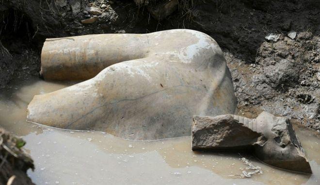Κολοσσιαίο άγαλμα του Ραμσή Β΄βρέθηκε σε φτωχογειτονιά του Καΐρου
