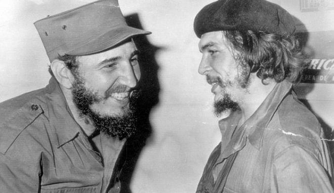 Η τέφρα του Κάστρο 'συναντήθηκε' με τα λείψανα του Τσε Γκεβάρα