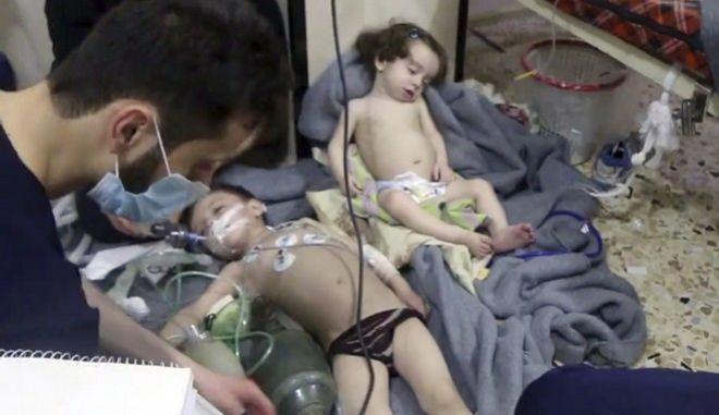 Συγκλονίζουν οι εικόνες από την επίθεση στη Συρία