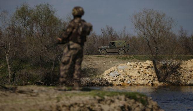 Τουρκικές δυνάμεις στα σύνορα στον Έβρο
