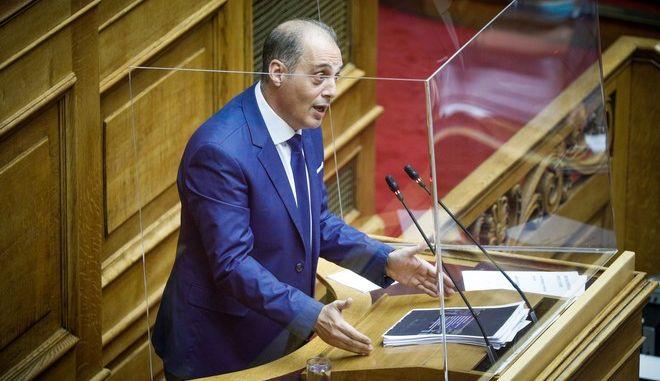Ο πρόεδρος της Ελληνικής Λύσης, Κυριάκος Βελόπουλος, στη Βουλή
