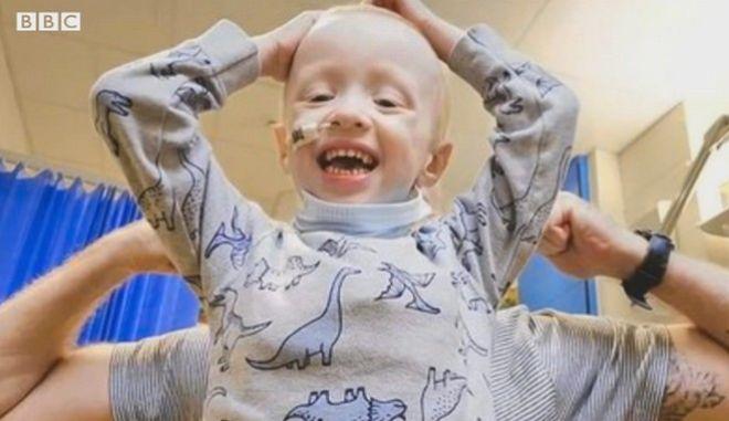 Νίκησε τον κορονοϊό ένα 4χρονο αγόρι που δίνει μάχη με τον καρκίνο