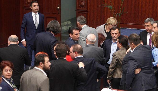 Ο Ζόραν Ζάεφ στη Βουλή
