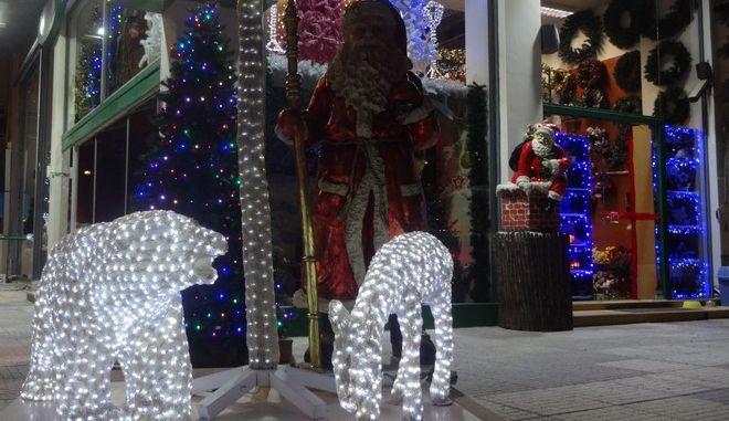 Χριστουγεννιάτικα είδη σε κατάστημα στην Αθήνα. (EUROKINISSI/ΓΙΩΡΓΟΣ ΚΟΝΤΑΡΙΝΗΣ)