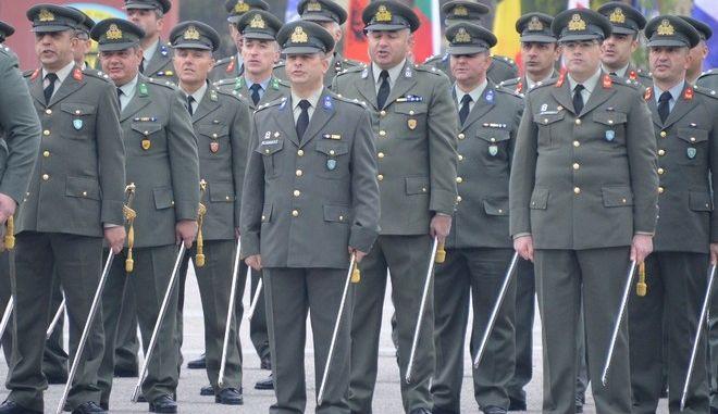 Αξιωματικοί του στρατού ξηράς, Αρχείο