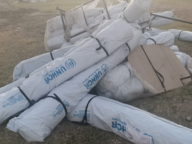 Προχωρούν οι ετοιμασίες στο Πεδίο Βολής- Τέταρτο βράδυ στο δρόμο για τους πρόσφυγες