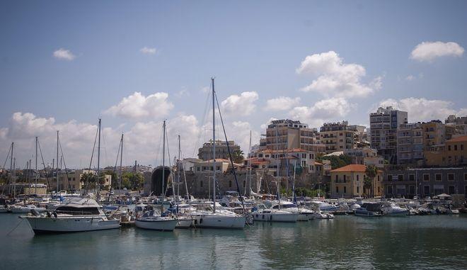 Το λιμάνι του Ηρακλείου στην Κρήτη
