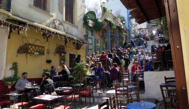 Καταστήματα εστίασης και καφετέριες στην Πλάκα (EUROKINISSI/ΑΝΤΩΝΗΣ ΝΙΚΟΛΟΠΟΥΛΟΣ)