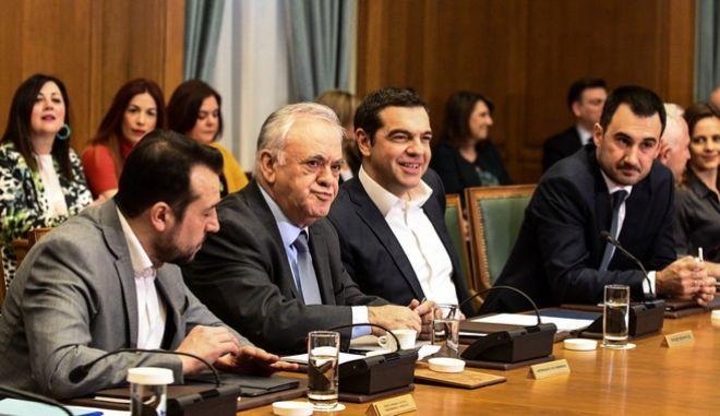 Στιγμιότυπο από τη συνεδρίαση του πρώτου υπουργικού συμβουλίου μετά τον μίνι ανασχηματισμό