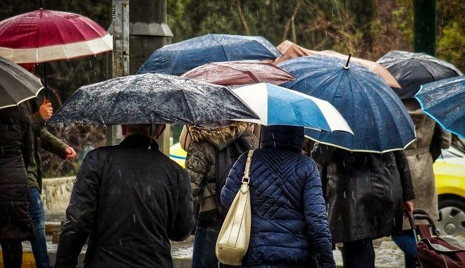 Ισχυρή βροχή και δυνατοί άνεμοι στην Αθήνα, Αρχείο