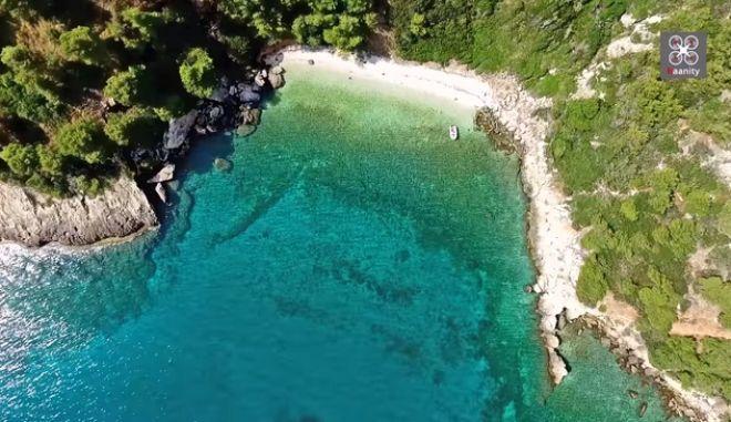 """Κρυφές παραλίες της Αττικής: Το """"Μικρό Πήλιο"""""""