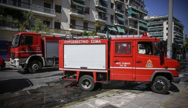 Πυροβεστικά οχήματα στα Κάτω Πατήσια