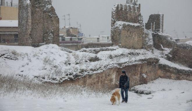 """Η κακοκαιρία """"Λέανδρος"""" έριξε κάτω από το μηδέν το θερμόμετρο στη Θεσσαλονίκη"""