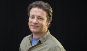 Καταρρέει η αυτοκρατορία του Jamie Oliver - Κλείνει 12 εστιατόρια