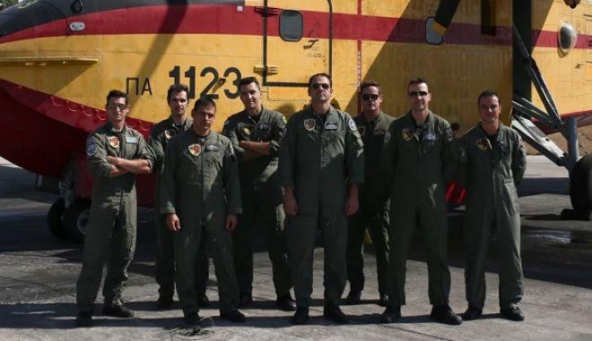 Όταν το News 24/7 συνάντησε τους ιπτάμενους της 335 στην Ελευσίνα