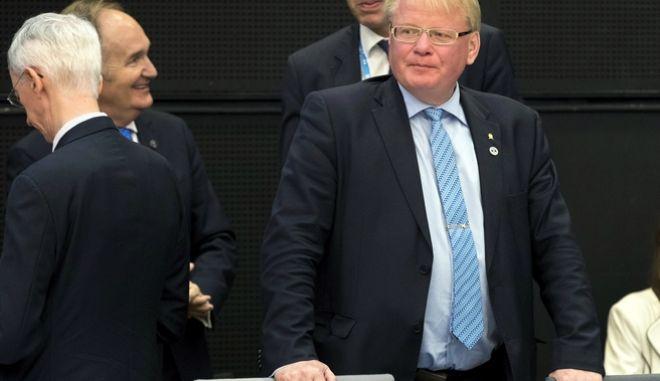 O Σουηδός Υπουργός Αμυνας