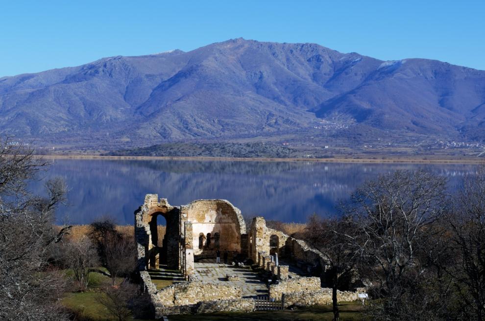Οι 10 ελληνικές λίμνες που πρέπει να επισκεφθείς μια φορά στη ζωή σου