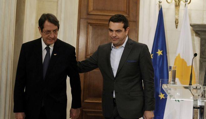 Ο πρωθυπουργός, Αλέξης Τσίπρας,  συναντήθηκε με τον Πρόεδρο της Κυπριακής Δημοκρατίας, Νίκο Αναστασιάδη, στο Μέγαρο Μαξίμου. (Eurokinissi-ΜΠΟΛΑΡΗ ΤΑΤΙΑΝΑ)