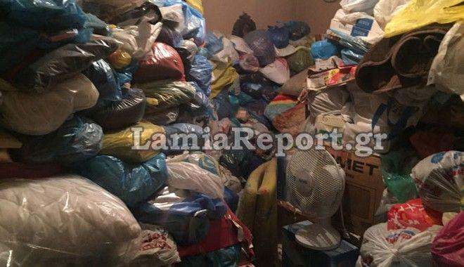 Απίστευτες εικόνες: Με ειδικές στολές άδειασαν διαμέρισμα - χαβούζα στη Λαμία