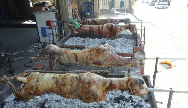 """""""Τουρκάκια"""": Η ιδανική συνταγή για ό,τι έμεινε από το τραπέζι του Πάσχα"""