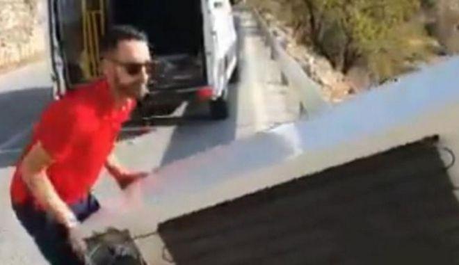Ισπανία: Πέταξε ένα ψυγείο σε γκρεμό αλλά αναγκάστηκε να το πάρει πίσω
