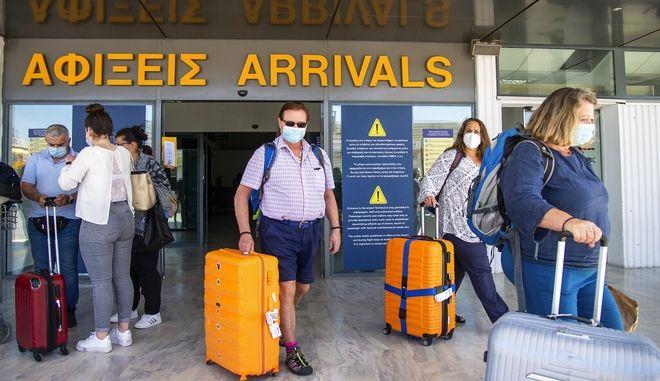 Κορονοϊός: Και με rapid test η είσοδος τουριστών στην Ελλάδα