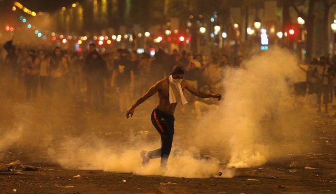Δύο νεκροί και επεισόδια κατά τους εορτασμούς για την κατάκτηση του παγκόσμιου κυπέλλου