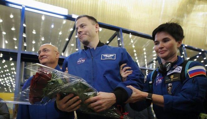 Ο Αμερικανός αστροναύτης Νικ Χέιγκ στο αεροδρόμιο του Καζακστάν τον Οκτώβριο του 2019