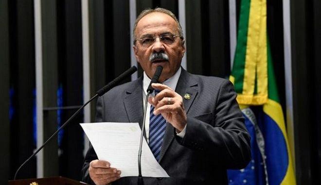 Βραζιλία: Γερουσιαστής πιάστηκε να κρύβει χρήματα στα... οπίσθιά του