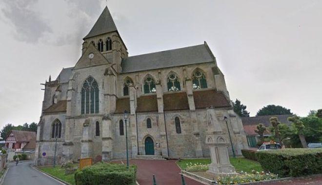H εκκλησία στο Agnetz της Βόρειας Γαλλίας που λειτουργούσε ο ιερέας