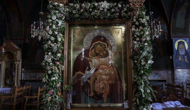 Στιγμιότυπο από τον Ιερό ναό Αγίου Δημητρίου στον Βύρωνα