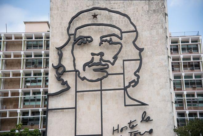 Η περίφημη απεικόνιση του Che, στην Πλατεία της Επανάστασης, στην Αβάνα