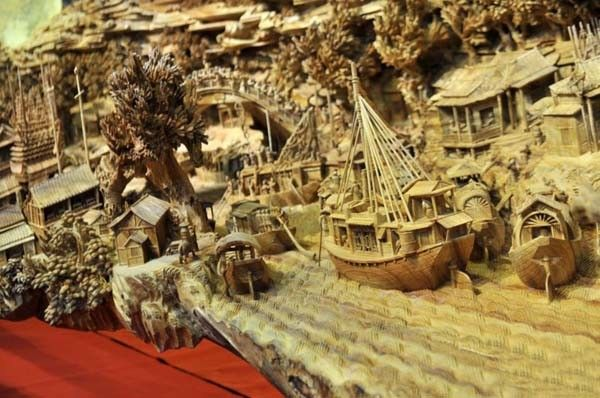 A giant masterpiece has been recorded as the longest one piece wood carving in the world.  And the time it took to get it officially recognised is also almost a record - after the exhibition hall where it is housed revealed it was actually crafted in Fujian province in southeast China nearly 1,000 years ago.  Called