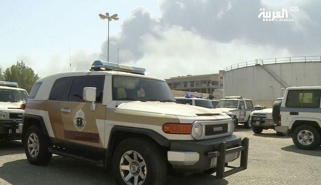 Εικόνα μετά την επίθεση στις πετρελαϊκές εγκαταστάσεις της Σ. Αραβίας