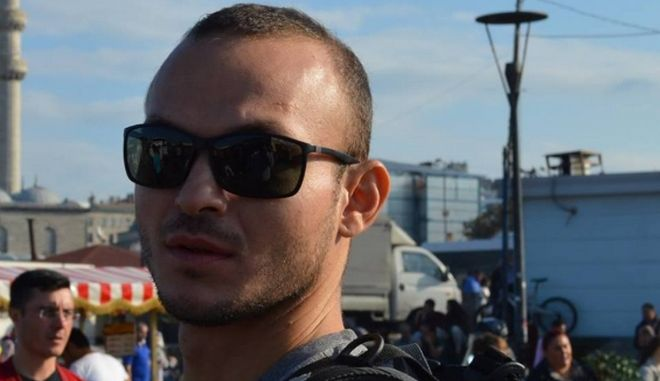 Ν. Σοφιανός για ομοφοβική επίθεση: Πώς μας επιτέθηκαν τα ΜΑΤ στα Εξάρχεια