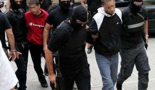 """Εμφύλιος στις φυλακές: Οι σκληροπυρηνικοί """"Πυρήνες της Φωτιάς"""" εναντίον άλλων συλληφθέντων αντιεξουσιαστών"""