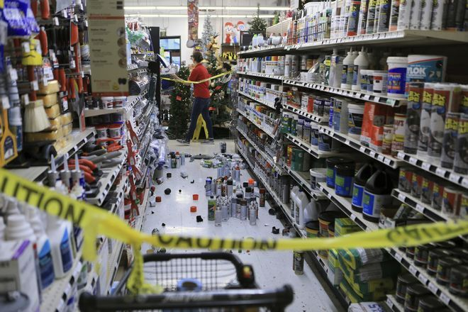 Εικόνα από σούπερ μάρκετ μετά το σεισμό