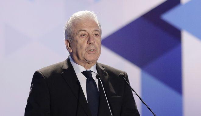 Αβραμόπουλος για τους στρατιώτες: Ελπίζω να γυρίσουν σύντομα στη χώρα