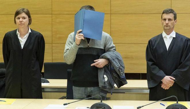 Ισόβια για τον 57χρονο Γερμανό που δηλητηρίαζε τα σάντουιτς των συναδέλφων του