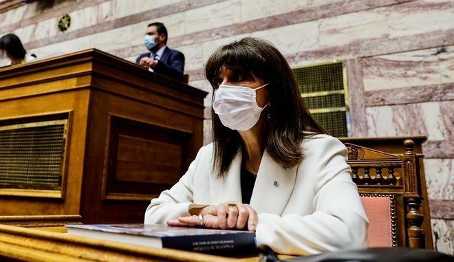 """Σακελλαροπούλου για 21η Απριλίου: """"Είμαστε περήφανοι για τις κατακτήσεις της δημοκρατίας μας"""""""