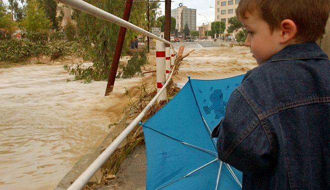 Στιγμιότυπο από υπερχείλιση του Πεδιαίου ποταμού στη Λευκωσία το 2005