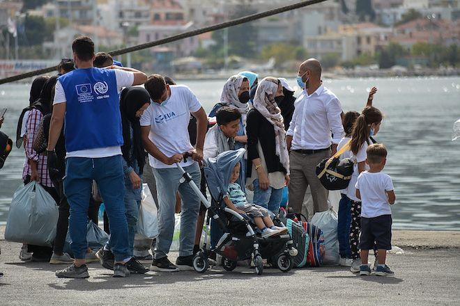 Στιγμιότυπο μετακίνησης προσφύγων από την Λέσβο προς την ηπειρωτική Ελλάδα, 28 Σεπτεμβρίου 2020.