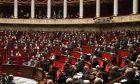 Γαλλία: Έως τα τέλη Μαΐου παρατάθηκε η κατάσταση έκτακτης ανάγκης