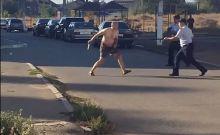 Βίντεο: Αποκεφάλισε μωρό 18 μηνών κι έτρεχε με το κεφάλι στους δρόμους