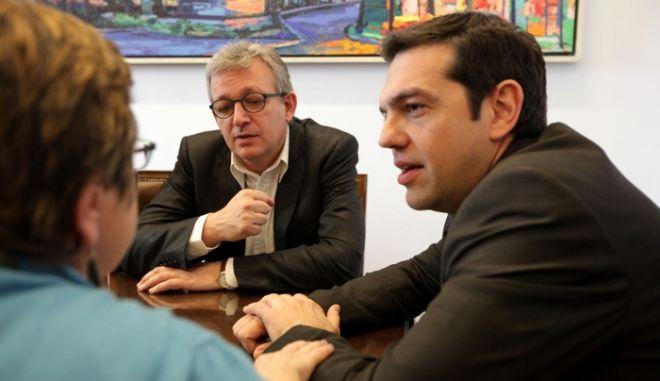 Σύσκεψη του προεδρείου του Κόμματος Ευρωπαϊκής Αριστεράς (ΚΕΑ) στην Βουλή, την Τετάρτη 27 Μαρτίου 2013. Στην σύσκεψη συμμετείχαν οι:  Pierre LAURENT, Εθνικός Γραμματέας του Γαλλικού Κομμουνιστικού Κόμματος, Πρόεδρος του Κόμματος Ευρωπαϊκής Αριστεράς, Maite MOLA, υπεύθυνη Διεθνών Σχέσεων του Κομμουνιστικού Κόμματος Ισπανίας, Αντιπρόεδρος του Κόμματος Ευρωπαϊκής Αριστεράς,  Marisa Matias, αντιπρόεδρος του ΚΕΑ και ευρωβουλευτής του Πορτογαλικού Μπλόκο και Grigore Petrenco,  αντιπρόεδρος ΚΕΑ, βουλευτής PCRM Μολδαβίας. (EUROKINISSI/ΓΕΩΡΓΙΑ ΠΑΝΑΓΟΠΟΥΛΟΥ)