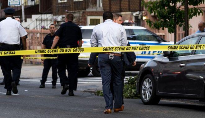 Αστυνομία στις  ΗΠΑ, σε τόπο εγκλήματος